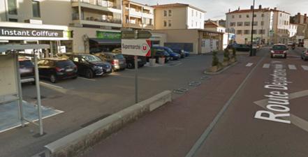 Local commercial St Romain En Gal 104 m²
