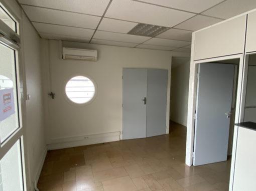 Bureaux  A LOUER – Vénissieux 271 m2