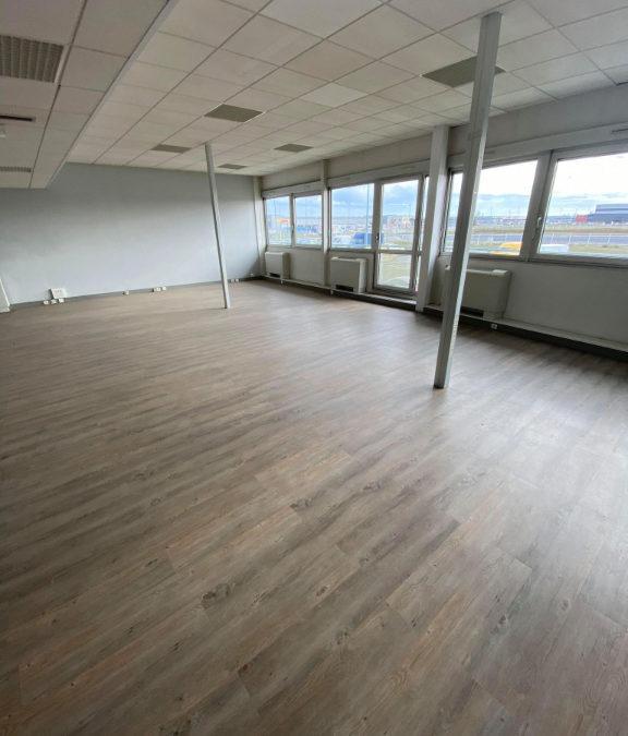 Bureaux à la location 227,16m2 aéroport Lyon